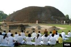 Tháp Ramabhar, đánh dấu nơi Đức Phật được hỏa táng. (Hình: Tước Nguyễn)
