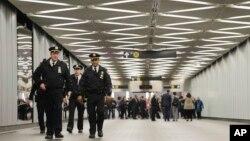 El nuevo centro de transporte Fulton Center se comunica con el World Trade Center por un túnel.