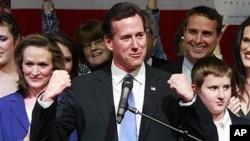 ທ່ານ ຣິກ ຊັນໂຕຣັມ ຜູ້ສະມັກປະທານາທິບໍດີສະຫະລັດວສັງກັດພັກ Republican, ວັນທີ 11 ມີນາ 2012.