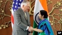 Hai ngoại trưởng Mỹ-Ấn gặp gỡ ở New Delhi, 25/10/2017