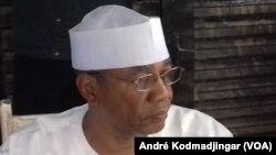 L'opposant Mahamat Ahmat Al-Habo, qui a répondu au jeune patriote SUI, menace de porter plainte contre l'opposition (André Kodmadjingar/VOA).