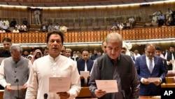 巴基斯坦正义运动党领导人伊姆兰·汗8月13日宣誓就职议员。