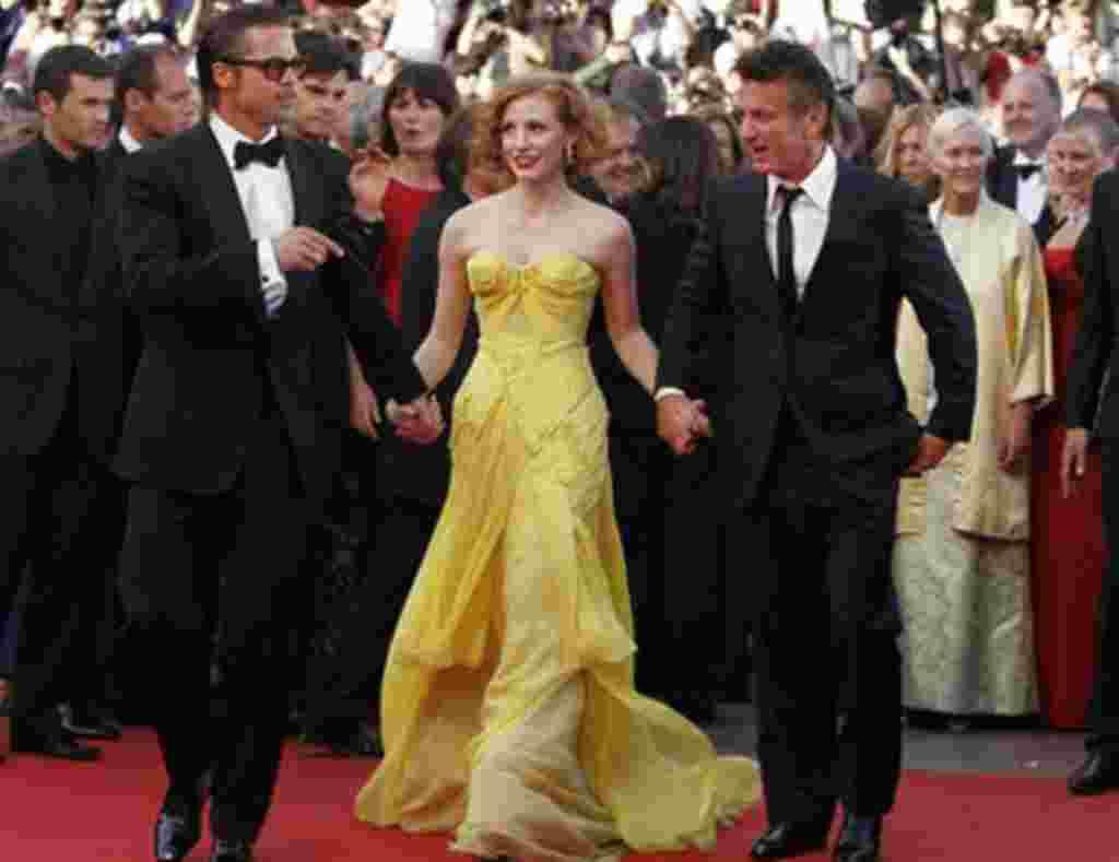 """Mejor Película: """"El árbol de la vida"""". El elenco de esta producción llega a su presentación durante el Festival de Cannes."""