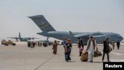 কাতারে যুক্তরাষ্ট্রের সামরিক ঘাঁটিতে আফগানিস্তানে আটকে পড়া ১২ জন বাংলাদেশী