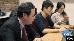 Ketika pandemi virus corona semakin parah, mahasiswa internasional China di AS menghadapi dilema. (Foto: VOA)