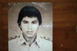 Foto kenangan Muh Amin Rafi sebagai Calon Pegawai Negeri di Inspektorat Wilayah Provinsi Sulawesi Selatan tahun 1985 yang kemudian dipecat karena kusta.(Foto: Dok Pribadi)
