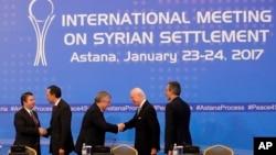 دور نخست مذاکرات صلح سوریه در آستانه پایتخت قزاقستان، به ابتکار روسیه، ترکیه و ایران، اواخر اوایل بهمن ۹۵ برگزار شد