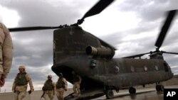 Des soldats américains embarquant dans la province afghane de Helmand