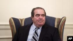 Hakim agung AntoninScalia meninggal dunia hari Sabtu (13/2) dalam usia 79 tahun (foto: dok).