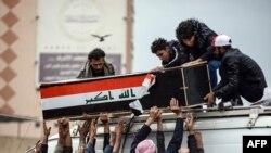 ہلاکتوں کے بعد عراقی وزیرِ اعظم نے ناصریہ شہر میں تعینات فوجی کمانڈر کو برطرف کر دیا۔