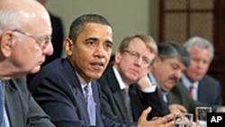 奥巴马与经济顾问们探讨经济与就业问题