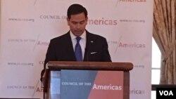Rubio también defendió el proyecto de ley que patrocina un grupo bipartidista de legisladores que crearía un fondo de asistencia para ayudar en una eventual transición en Venezuela. Foto: Mitzi Macias / VOA.