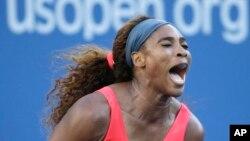 Serena Williams celebra su último punto contra Victoria Azarenka, de Biolorusia, a la que derrotó en la final del Abierto de Estados Unidos.