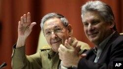 Рауль Кастро и Мигель Марио Диас-Канель Бермудес