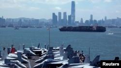 美军乔治·华盛顿号航母2012年7月10日对香港进行例行访问。