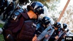 Los expertos recomiendan que se atiendan, cuando antes, temas como la profesionalización de la carrera policía.