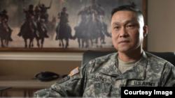 Chuẩn tướng Lương Xuân Việt.