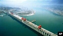 Báo cáo cho thấy dự án đập thủy điện lớn nhất thế giới trị giá 25 tỉ đôla này chứa đầy những vấn đề về kinh tế, địa chất và môi trường
