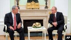 Tổng thống Nga Vladimir Putin (phải) và Thủ tướng Israel Benjamin Netanyahu hội đàm tại Moscow, Nga, 20/11/13