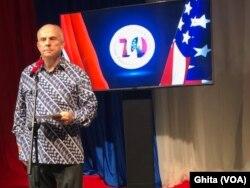 Duta Besar Amerika Serikat untuk Indonesia Joseph R Donova Jr dalam konferensi pers, di Kedubes AS, di Jakarta, Rabu, 11 Desember 2019. (Foto: VOA/Ghita).