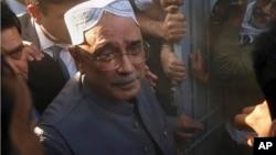 Mantan Presiden Pakistan, Asif Ali Zardari ditahan atas tuduhan pencucian uang jutaan dollar AS (foto: dok).