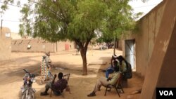 Jobless People in Gao. (Idriss Fall/VOA)