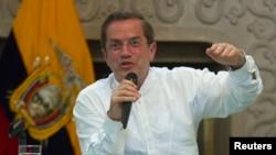 El canciller ecuatoriano Ricardo Patiño aseguró que respetarán los lineamientos del gobierno venezolano durante la visita de la comisión.