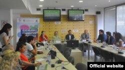 Konferencija Krovne organizacije mladih Srbije na kojoj je predstavljen Alternativni izveštaj o položaju i potrebama mladih u Srbiji 2018. (Foto: Medijacentar Beograd)