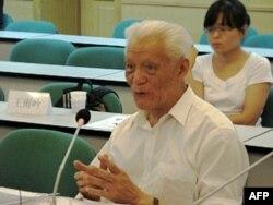 北京大学教授郭道晖