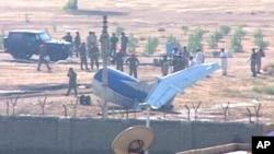 کراچی میں طیارہ گر کر تباہ، 21 ہلاک