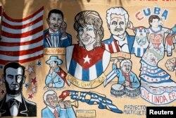플로리다 마이애미주 '리틀 하바나' 인근 빌딩에 쿠바를 주제로 한 벽화가 그려져 있다.