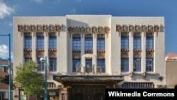 Gedung bioskop 'Kimo Theater' di kota Albuquerque, negara bagian New Mexico yang dibangun dengan sangat unik (foto: dok).