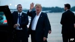 Дональд Трамп по прибытии из Сингапура на авиабазу Эндрюс. 13 июня 2018 г.