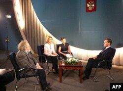 Prezident Dmitriy Medvedev PIK-TV bilan suhbatda