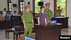 Facebooker Nguyễn Ngọc Ánh tại phiên tòa ngày 6/6/2019 ở tỉnh Bến Tre.