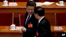 Президент Китаю Сі Цзіньпін та голова стратегічних досліджень комуністичної партії Китаю