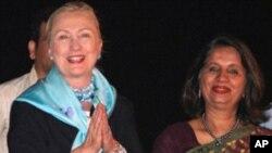 হিলারি ক্লিন্টনের ভারত সফর শুরু