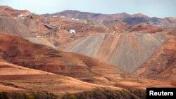 북한 무산 인근의 철광석 광산. 지난 2013년 5월 촬영한 사진이다.