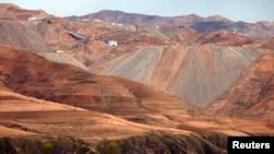 지난 5월 촬영한 북한 무산 인근의 철광산.