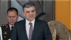 عبدالله گل رییس جمهوری ترکیه بیانیه تندی صادر کرده و می گوید برای کشور او قبول لایحه ای که آزادی رد اتهامات ناعادلانه و بی اساس علیه ترکیه را انکار می کند، غیر ممکن است