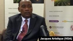Le président Mahamadou Issoufou du Niger présente son pays aux potentiels investisseurs lors d'un forum dénommé Investir au Niger, en marge de l'Assemblée générale de l'ONU, à New York, Etats-Unis, 20 septembre 2016. VOA/Jacques Aristide