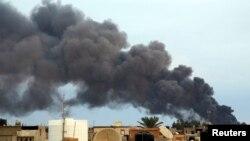 General Xəlifə Haftarın başçılıq etdiyi qüvvələrin Benqazidə hava hücumları,2014-ü il.