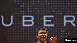 Le PDG d'Uber Travis Kalanick parle aux étudiants du Indian Institute of Technology (IIT) à Mumbai, en Inde, le 19 janvier 2016.