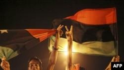 Başkan Obama'dan Kaddafi'ye 'Derhal Çekil' Çağrısı