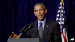 Tổng thống Hoa Kỳ Barack Obama phát biểu trong một buổi họp báo ở Vientiane, Lào, ngày 8 tháng 9 năm 2016.