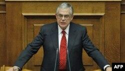 Yunanistan'da 2012 Bütçesi Parlamentoya Sunuluyor