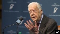 Mantan Presiden AS Jimmy Carter Membahas diagnosis kankernya dalam konferensi pers di The Carter Center di Atlanta (20/8). (AP/Phil Skinner)