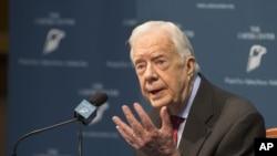 美国前总统卡特在记者会上谈论他的癌症诊断(2015年8月20日)