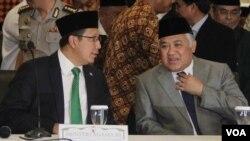 Menteri Agama Lukman Hakim Syaifuddin (kiri ) dan Ketua MUI Din Syamsuddin mengimbau ormas-ormas Islam untuk tidak melakukan sweeping dalam bulan Ramadan ini.