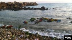 Italia bắt đầu tăng cường các cuộc tuần tra trong vùng sau khi một chiếc tàu chở đầy di dân bị đắm ở gần Lampedusa làm ít nhất 359 người thiệt mạng
